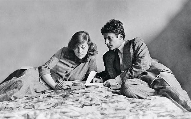 Lady Caroline Blackwood en Lucian Freud in 1949, nadat ze naar Parijs zijn verhuisd