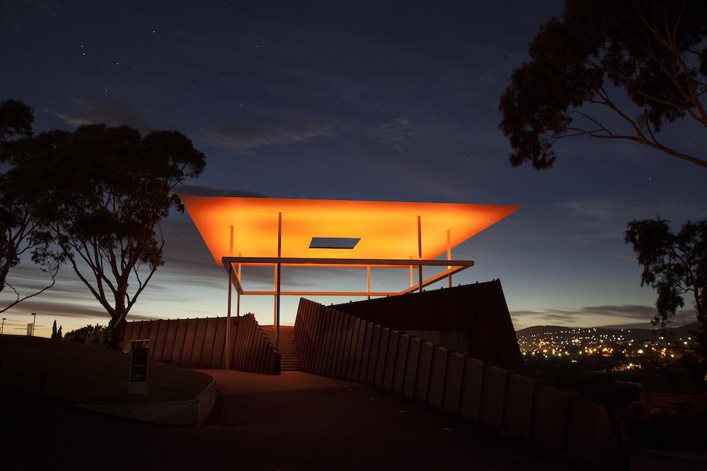 James Turrell, AMARNA, 2015. Het werk is te zien in het Museum of Old and New Art in Hobart, Australië