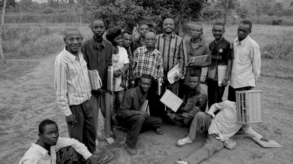 De leden van de CATPC met hun voorzitter René Ngongo, Lusanga 2016